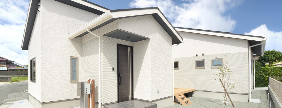 家事ラクを叶えるアイデアいっぱいコの字型の平屋住宅
