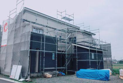 熊本県上益城郡S様邸、外壁工事の様子です。