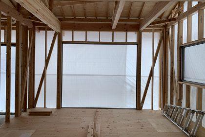 熊本県八代市K様邸、金物・サッシ取付工事始まりました。