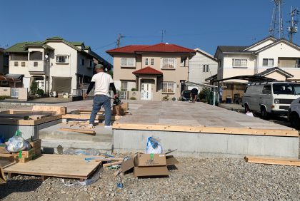 熊本県宇土市M様邸、土台敷き工事が始まりました。